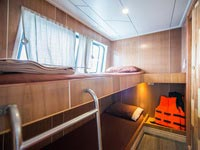 Twin bed cabin with own bathroom on the MV Camic