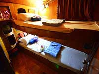 Twin bed cabin on the Manta Queen 6