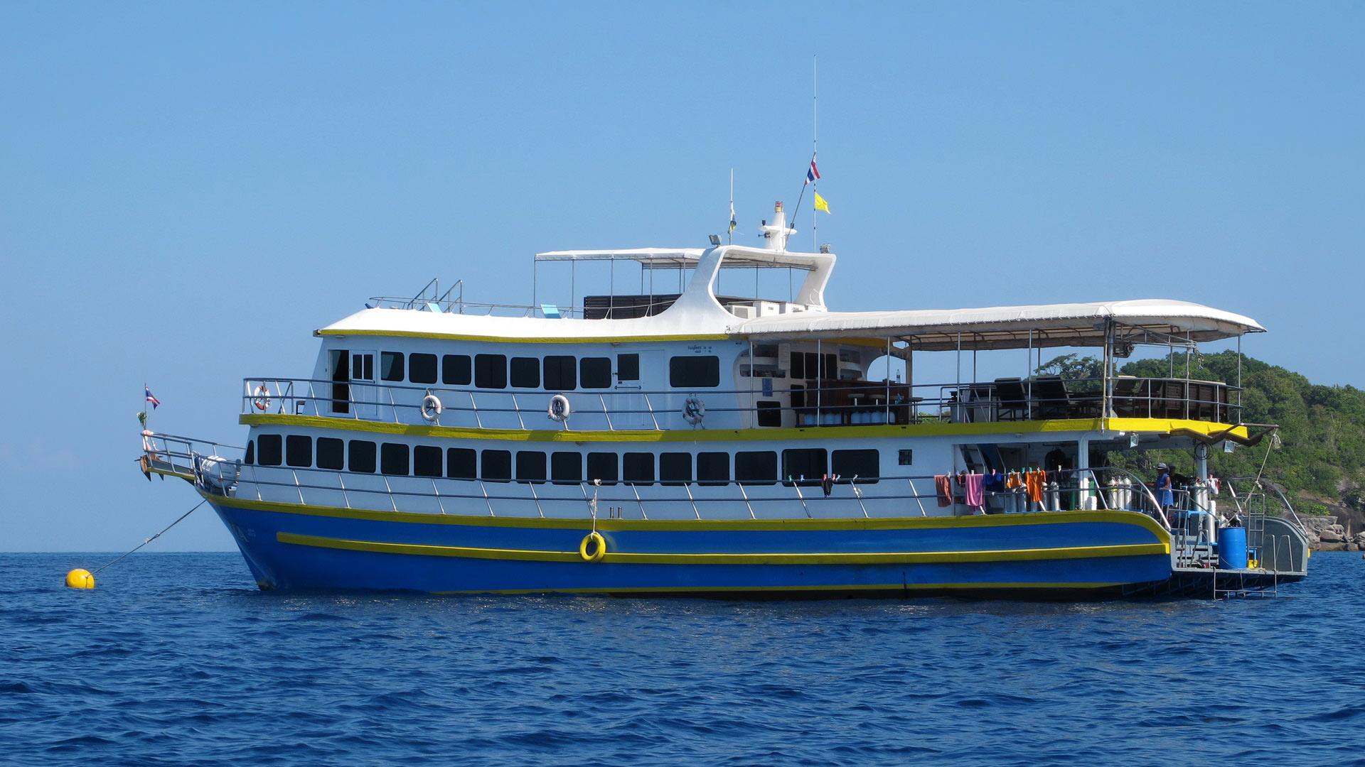Similan islands liveaboard MV Oktavia