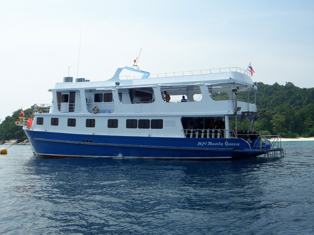 4 Days liveaboard trip to Koh Similan, Koh Bon, Koh Tachai and Richelieu rock on the Manta Queen 1