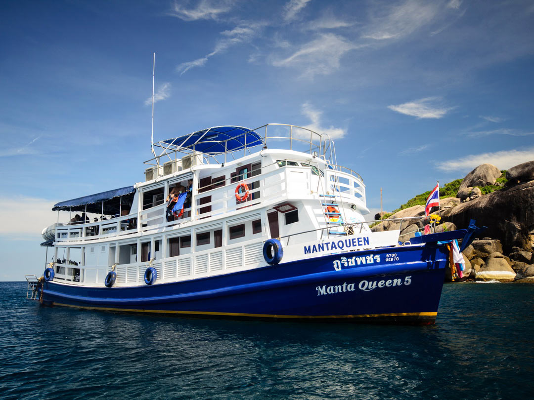 4 Days Similan islands diving liveaboard with 15 dives Manta Queen 5