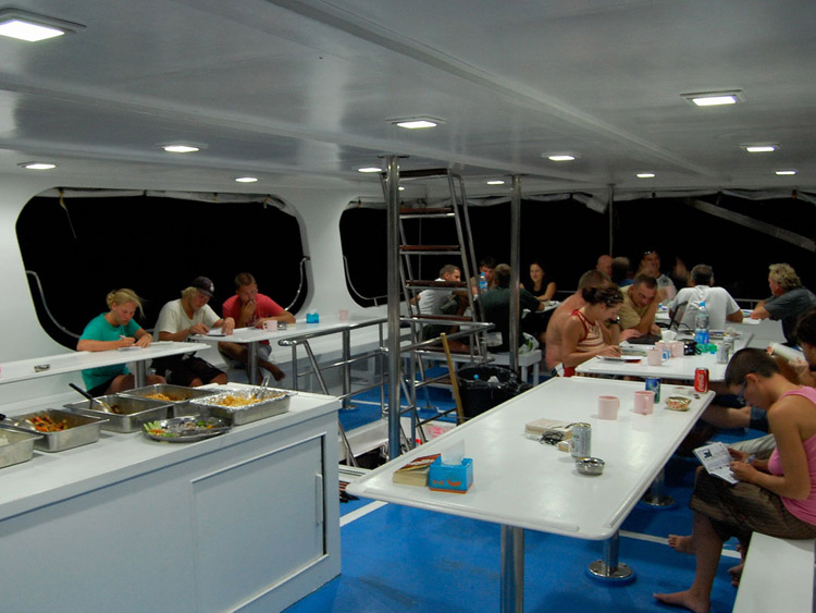Dinner on the Manta Queen1