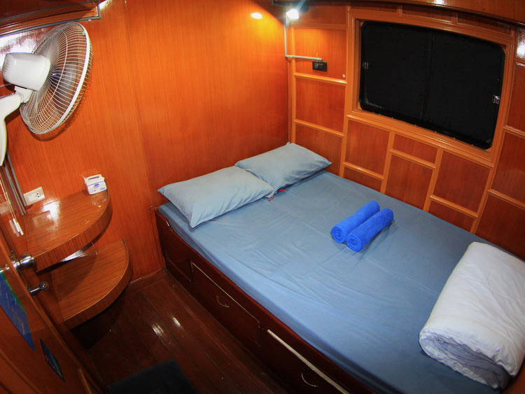 Manta Queen 1 double bed cabin