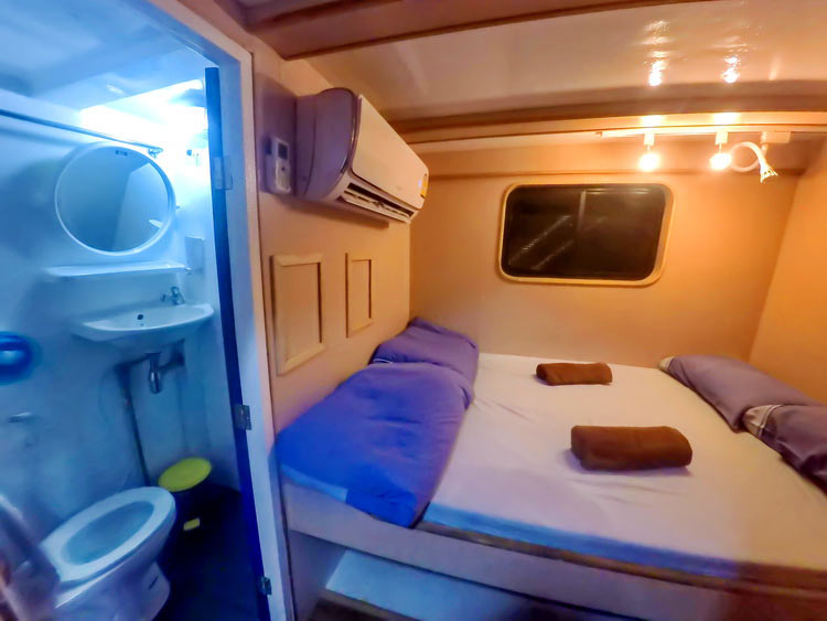 Similan islands liveaboard Manta Queen 7 double bed cabin with own bathroom