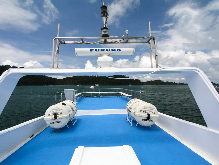 Sundeck on the Manta Queen 7 Similan islands liveaboard