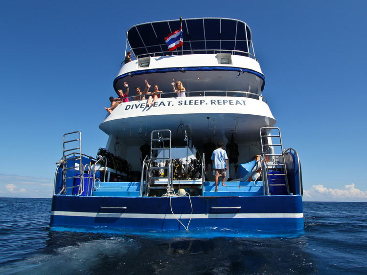Dive deck on the Manta Queen 3