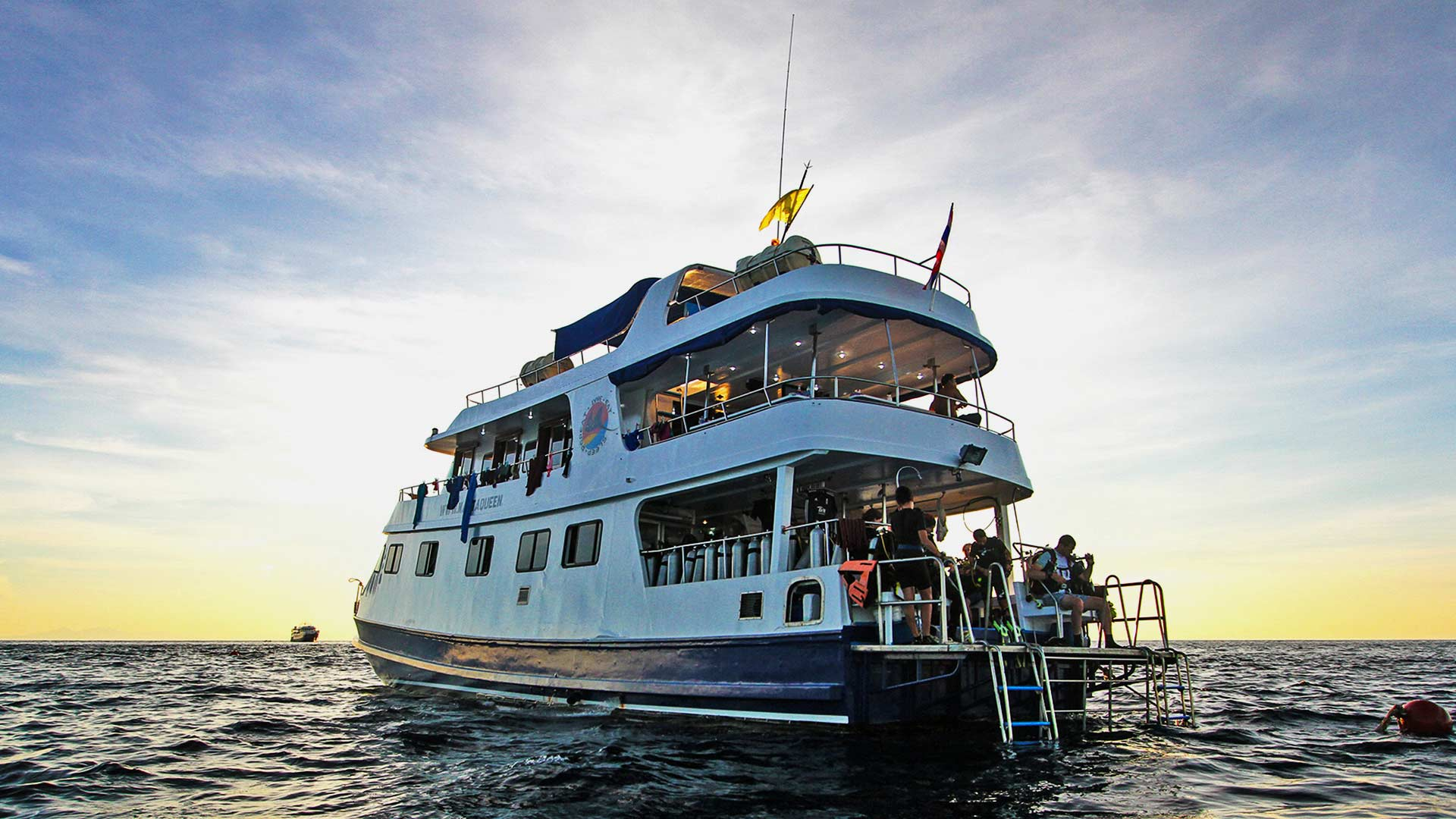 Dive at the northern dive sites on the Manta Queen two liveaboard trip