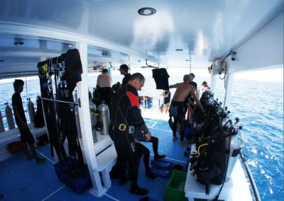 MV Camic diving deck
