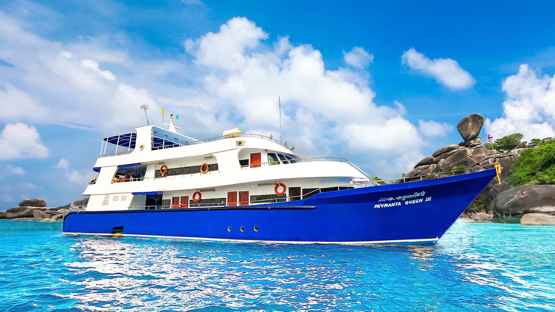 Similan islands diving liveaboard Manta Queen three