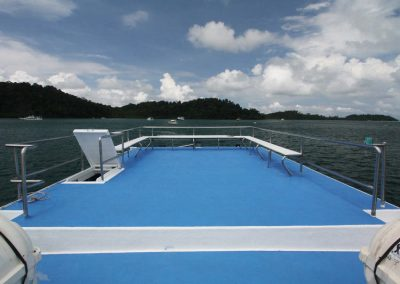 The sundeck on the Similan islands liveaboard Manta Queen 7
