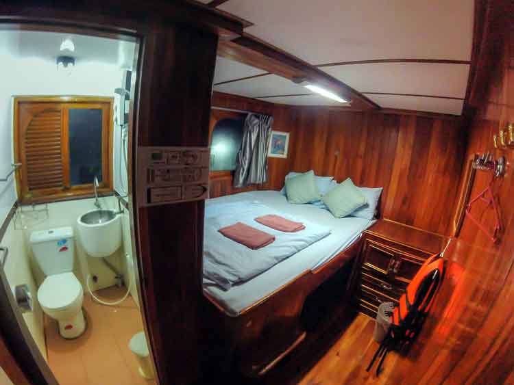 Similan islands liveaboard Manta Queen 8 double bed cabin with own bathroom