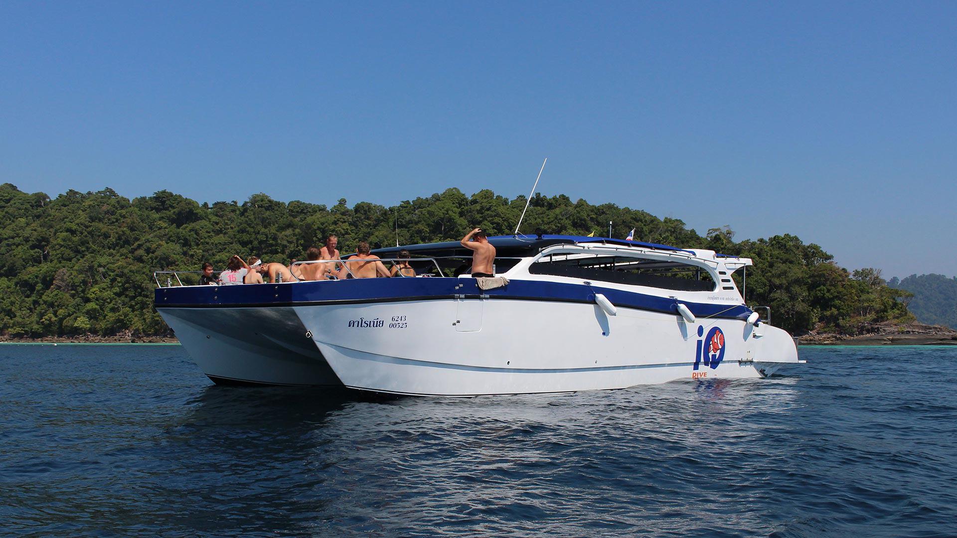 Day trip diving boat MV Charonia to Koh Bon and Koh Tachai