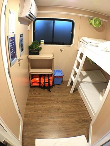 Manta Queen 1 twin bed cabin ensuite