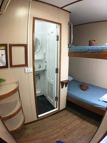 Manta Queen 3 twin bed cabin ensuite