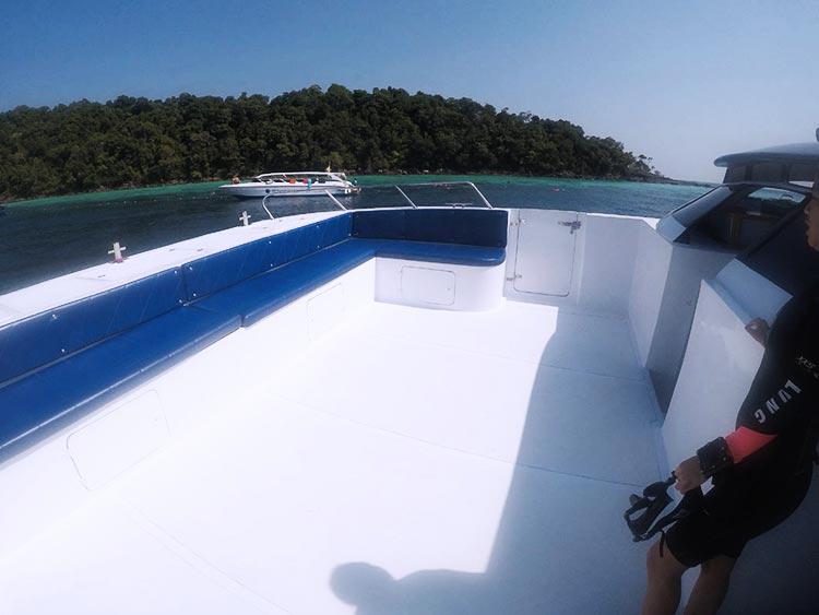 Sundeck on Koh Bon diving day trip boat