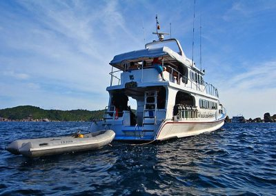 Manta Queen 6 going direction Similan islands